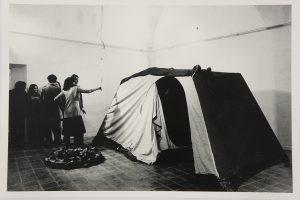 Luciano Fabro vista d'insieme della mostra agli Incontri Internazionali d'Arte, Roma 1971. © Massimo Piersanti, Roma