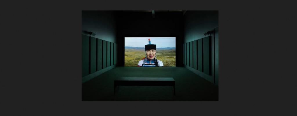 MIKA ROTTENBERG: EASYPIECES - CHICAGO - Museo di Arte contemporanea (MCA)