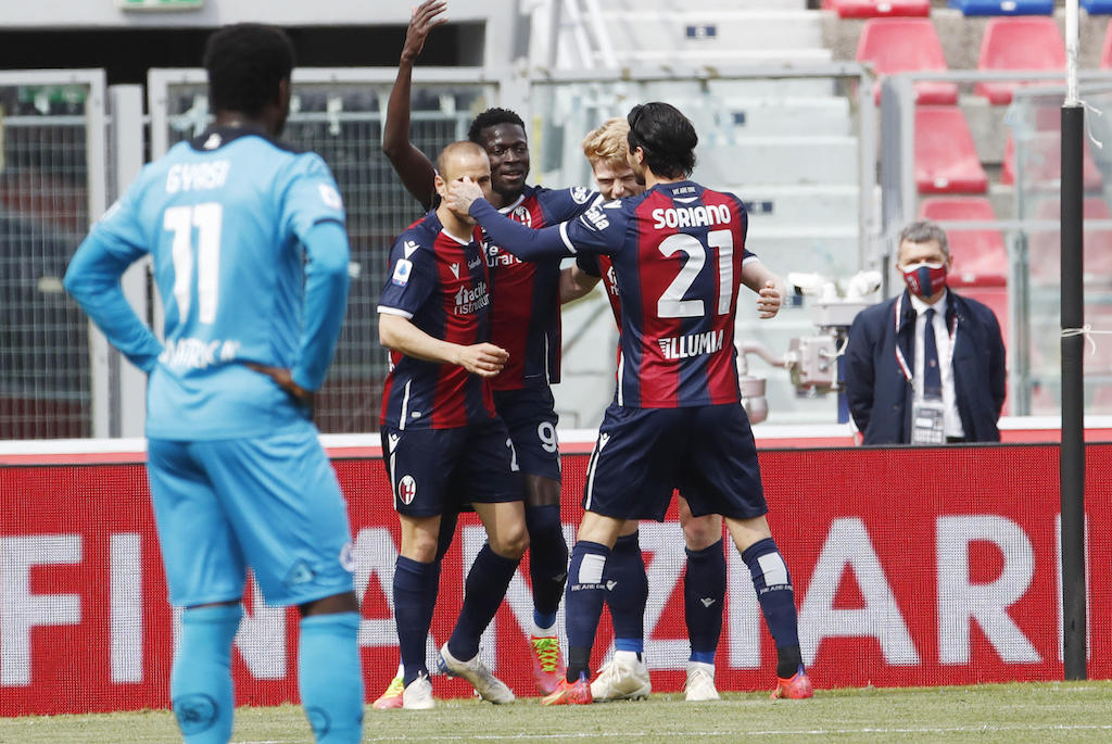 Bologna's Musa Barrow (C) celebrates with his teammates after scoring the 2-0 goal during the Italian Serie A soccer match Bologna FC vs Spezia Calcio at Renato