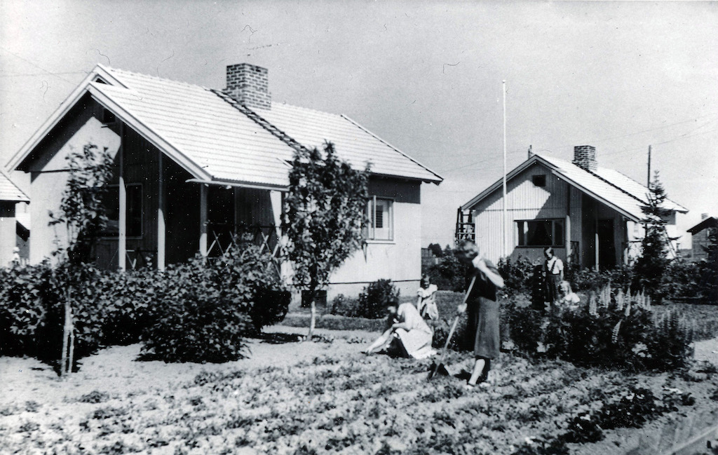 How will we live together? Women plant potatoes in the Nekala area of the city of Tampere, Finland. During World War Two, every family sought to produce at least a part of their own food through gardens at home. Photo: ELKA
