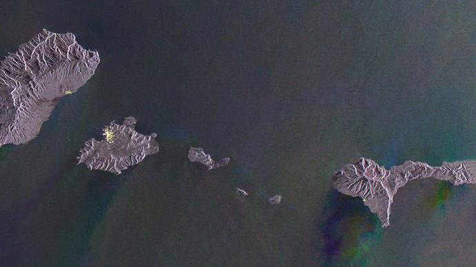 Gayle-Chong-Kwan-Waste-archipelago-Courtesy-of-Galleria-Alberta-Pane