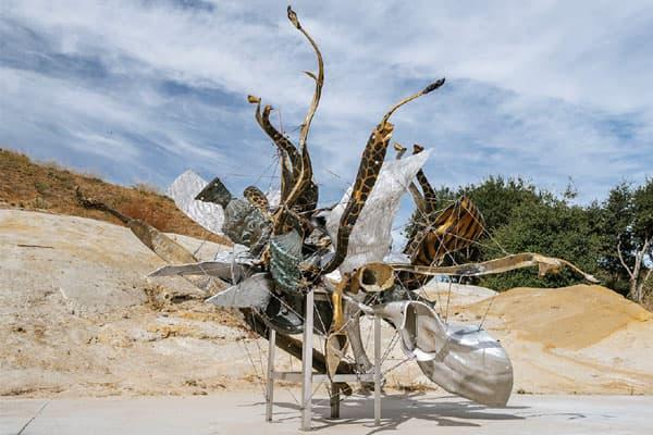 Nancy Rubins, Fizzys Nebuli, Installation view